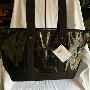 NWT Coach Tote/Shopper Bag! Great buy!! 😊💕